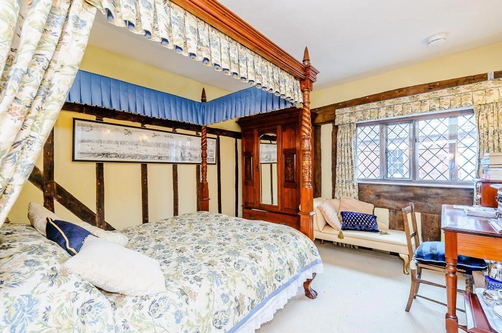 The John De Vere Room